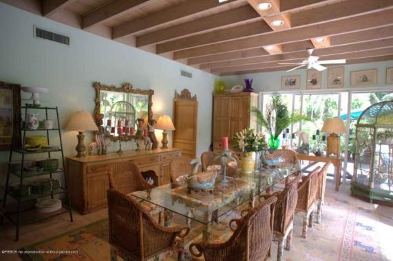 Lilly Pulitzer diningroom