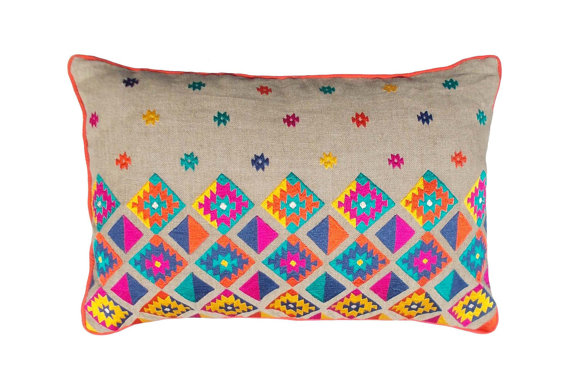 Vliving embroidered linen pillow